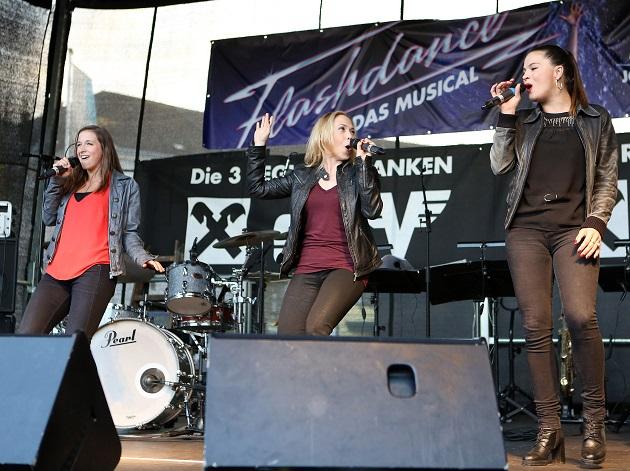 """Einkaufsnacht """"Flashdance""""-Auftritt - Musical Sommer Amstetten 2"""