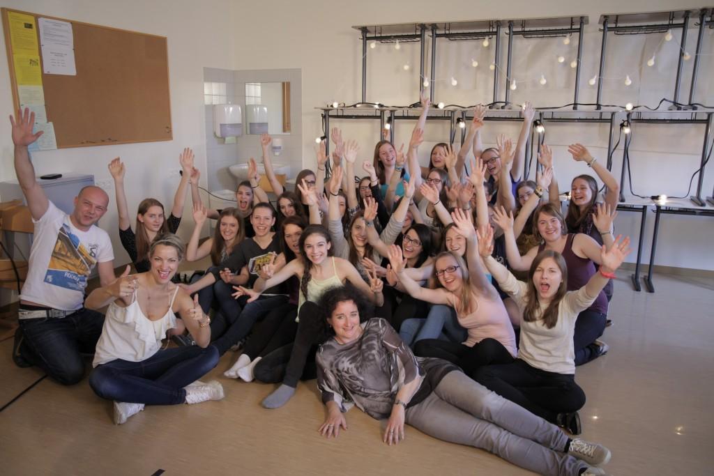 Gruppenfoto der Schülerinnen der BAKIP Amstetten Foto: Heinz Donaubauer