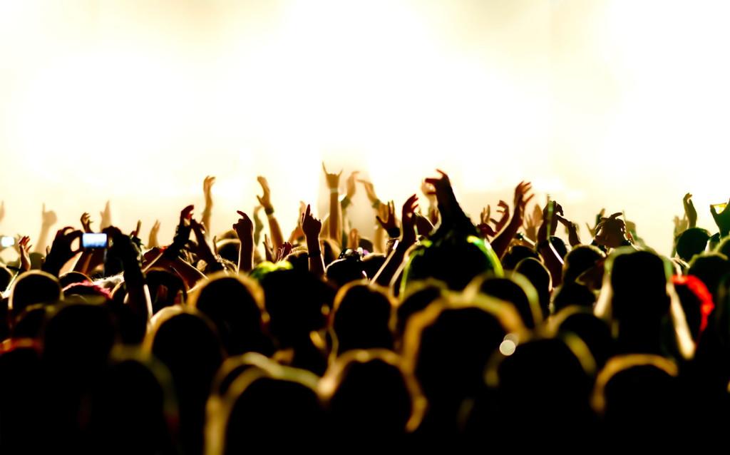 treetown-crowd