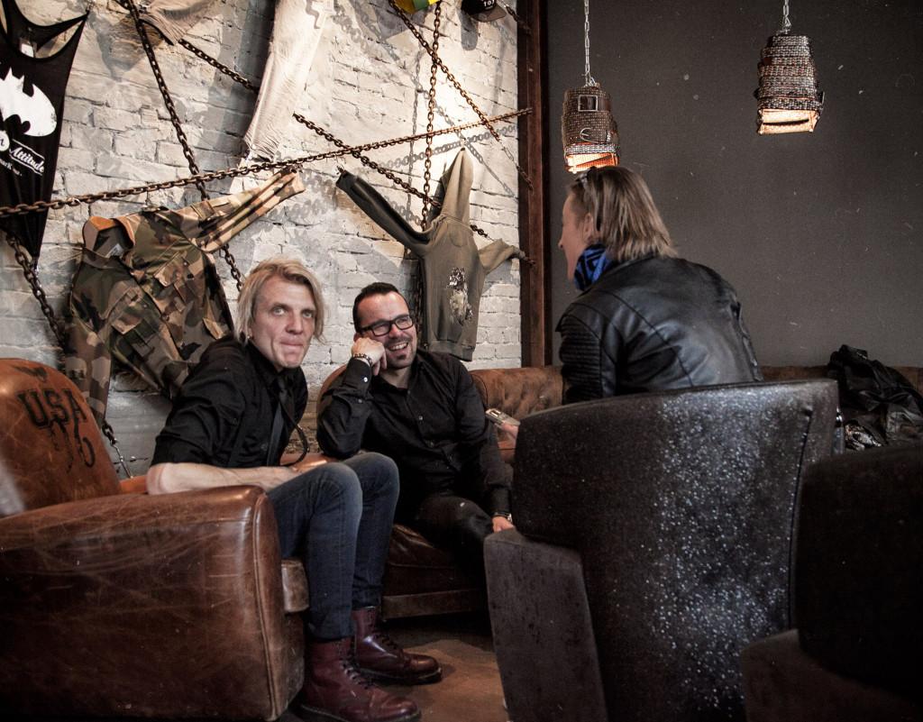 """""""Erstmals in der Geschichte von Apoclayptica gingen wir alle gemeinsam mit unserem eigenen Sänger in den Proberaum."""" Foto: Wolfgang M. Bauer"""