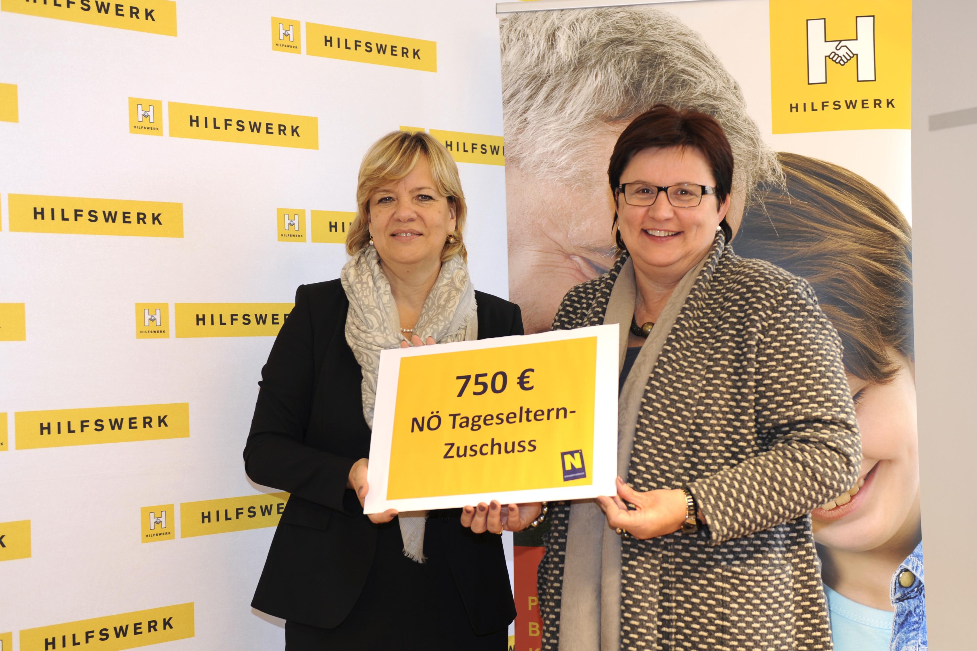 Bildungs- und Familienlandesrätin Barbara Schwarz und Präsidentin des NÖ Hilfswerk LAbg. Michaela Hinterholzer