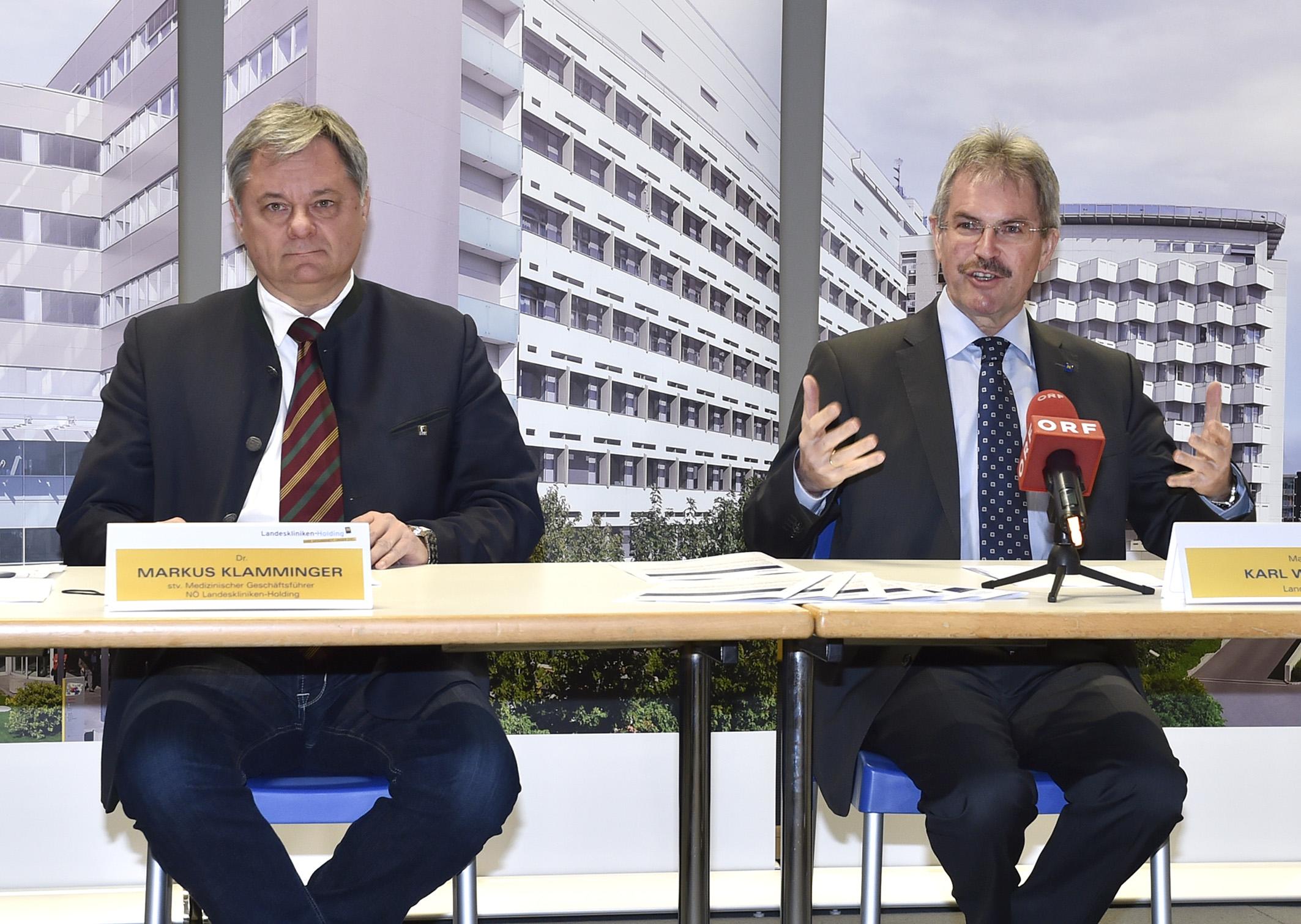 Stv. Medizinischer Geschäftsführer Markus Klamminger und Landesrat Karl Wilfing präsentierten das Ergebnis der Patientenbefragung im Rahmen einer Pressekonferenz. Foto: NLK Reinberger