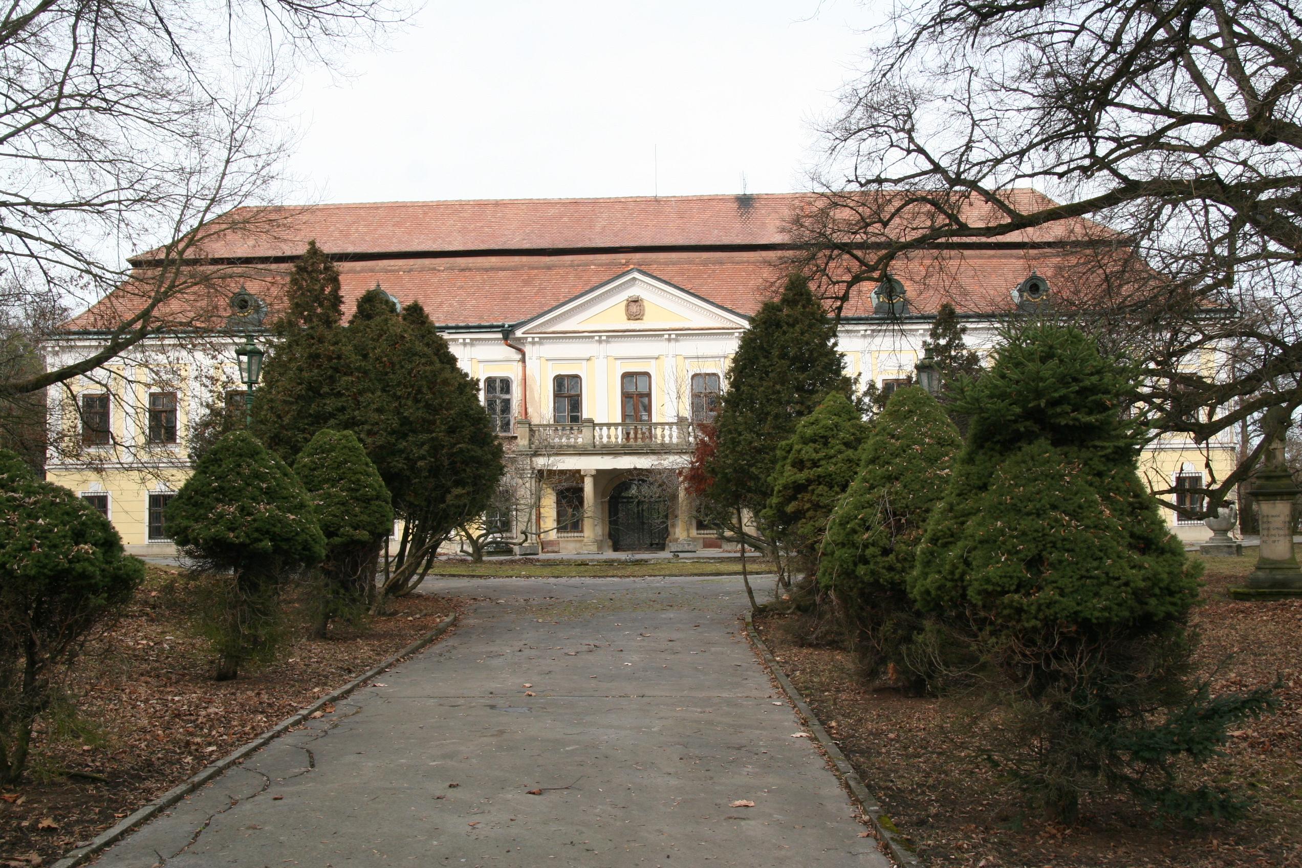 Zum Schloss Zdislavice, dem Geburtsort von Ebner-Eschenbach, führte eine spannende Reise durch scheinbar endloses Hügelland Foto: Robert Voglhuber