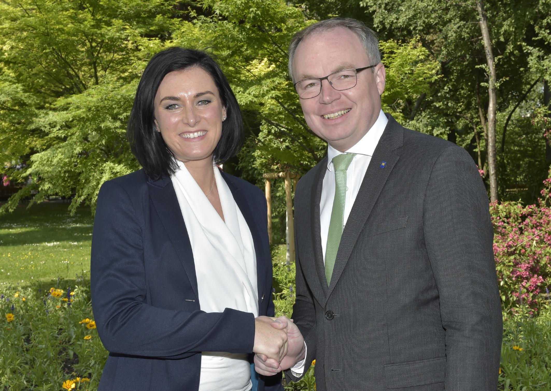 EU-Abgeordnete Elisabeth Köstlinger und Umwelt-Landesrat Stephan Pernkopf Foto: NLK, Pfeiffer