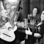 HALLO WIEN statt Halloween: Wienerliedmusiker in Bergland