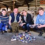 Metallsplitter von Dosen landen im Futter